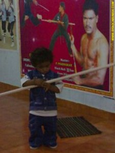 Shaolin Kungfu Monk Teach Kids